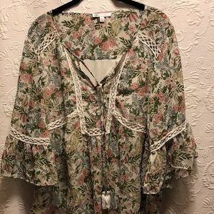 DR2 by Daniel Rainn Boho Floral Blouse size Large